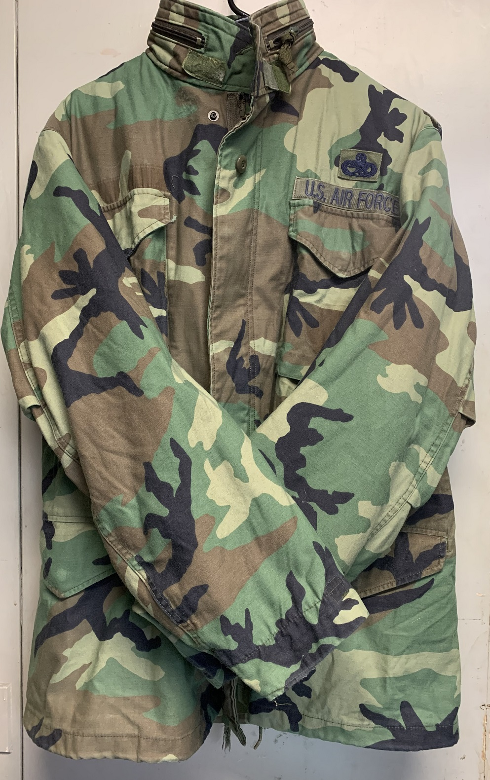 M-65 Field Jacket With Liner Woodland Camo Size MED/Long great usable condition