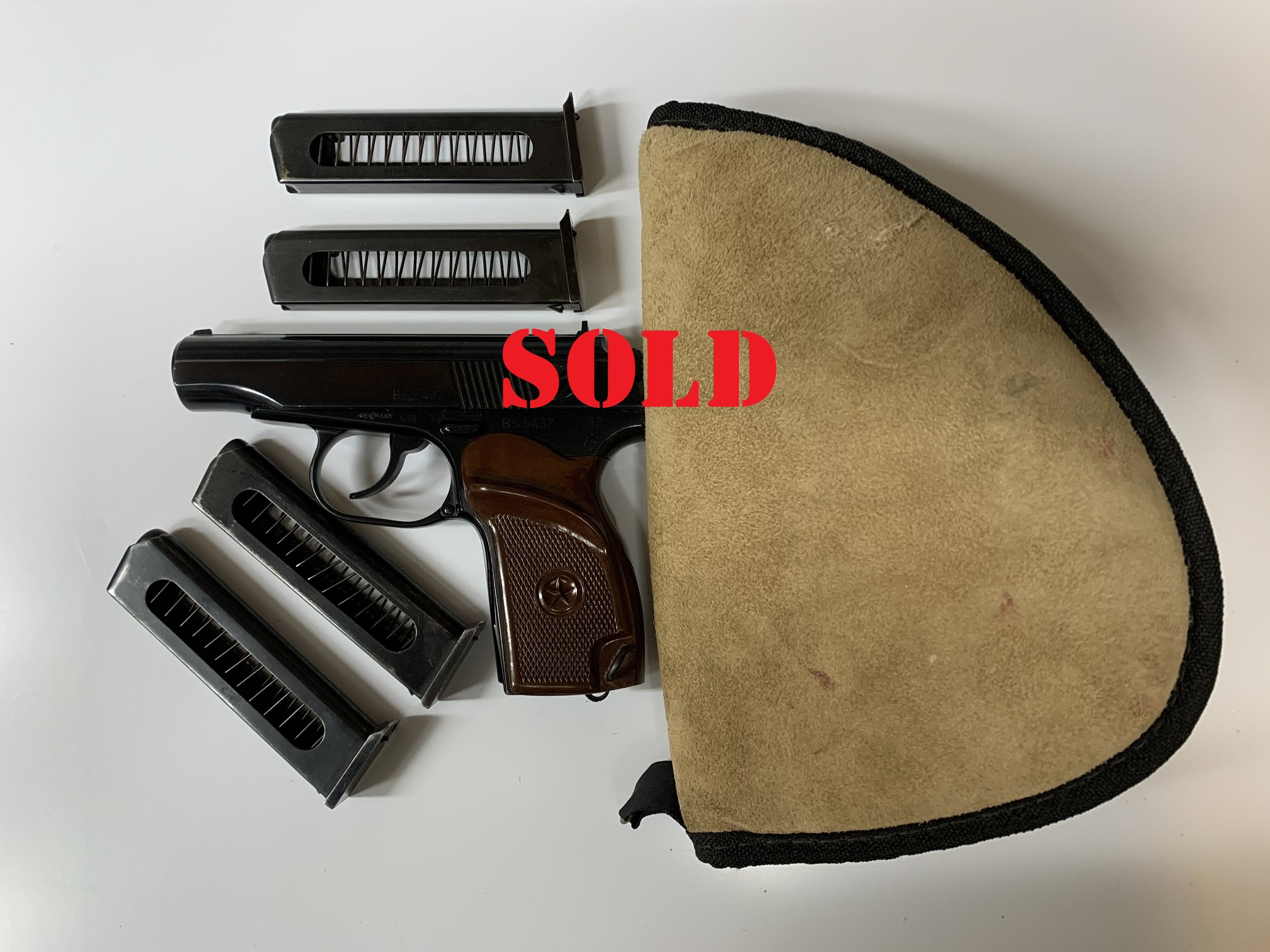 German made Makarov 9x18 Semi Auto w/4 mags very good condition